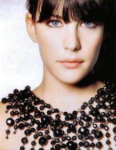 http://nerafrost.wordpress.com/fashion-tips-make-up/liv-tyler/