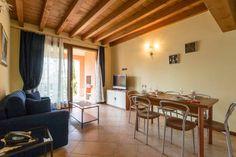 "Dai un'occhiata a questo fantastico annuncio su Airbnb: Casa ""Virgi"" a Peschiera del Garda"
