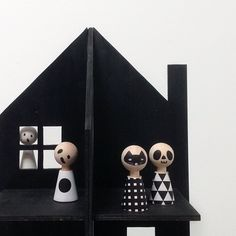 Modern Pebbles @rockandpebble Haunted House template / Mr Printables