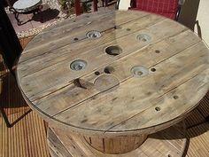 Holz   Kabeltrommel Als Gartentisch