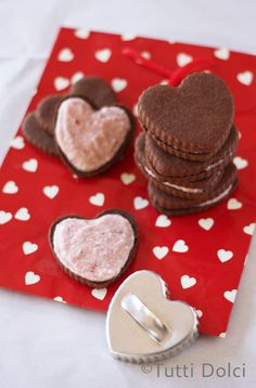 Brownie Heart Sandwich Cookies - Adorable for #Valentines @Laura | Tutti Dolci