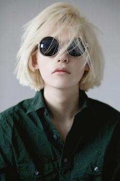 Mest populære merker for dette bildet innbefatter: sunglasses og grunge