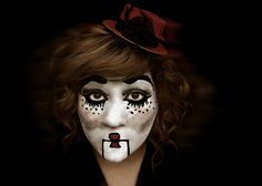 this is amazing. i wish i could do make-up this well. silent film star/mime.