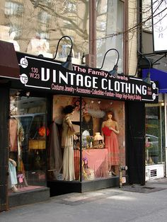 Beautiful Window Displays!: vintage