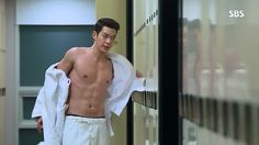 """Kim Woo Bin (김우빈) as Choi Young Do in the drama """"Heirs"""". Ok i'll be honest right now his personality has nothing to do with this moment Korean Wave, Korean Men, Korean Actors, Korean Dramas, Asian Actors, Asian Men, Kim Woo Bin, Kdrama Memes, Bts Memes"""