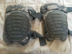 USGI McGuire Nicholas ACU Camouflage Set of Knee Pads Good Condition Surplus | eBay