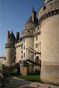 Le pont-levis du château de Langeais. © J.M.Laugery