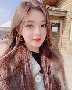 Cre code polarr: on ig Kpop Girl Groups, Korean Girl Groups, Kpop Girls, Cute Korean Girl, Asian Girl, Girls Makeup, Cute Faces, Ulzzang Girl, Aesthetic Pictures