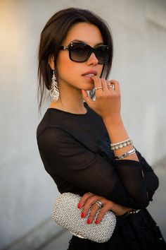 Total-black outfit and black oversized #sunglasses #fashion http://www.visiondirect.com.au/designer-sunglasses/Jimmy-Choo/Jimmy-Choo-Kizzi/S-7VH/HD-235952.html?utm_source=pinterest&utm_medium=social&utm_campaign=PT post