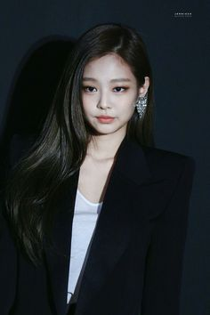 Jenny of Blackpink. Blackpink Jennie, Divas, Forever Young, Kpop Girl Groups, Kpop Girls, Korean Girl, Asian Girl, Black Pink, Blackpink Photos