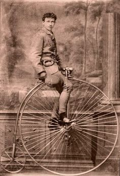 Penny-farthing by ookami_dou Antique Photos, Vintage Pictures, Vintage Photographs, Old Pictures, Vintage Images, Old Photos, Creepy Pictures, Velo Vintage, Vintage Cycles