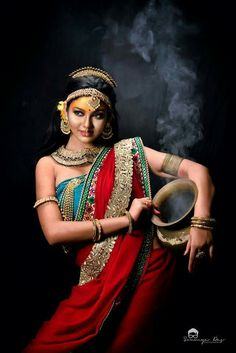 50 Ideas Fashion Aesthetic Wallpaper For 2019 Indian Women Painting, Indian Paintings, Portrait Photography, Fashion Photography, Bollywood, Indian Photoshoot, Indian Classical Dance, Dance Paintings, India Art
