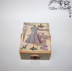 Nähen / Stricknadeln Box mit Nadelkissen Schubladen von UltroViolet
