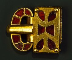 Gold Buckle With Garnets  --  5th Century  --  Germanic  --  Heilbrunn Timeline Of Art History @ The Metropolitan Museum of Art