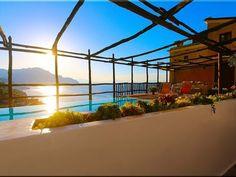 Amalfi Top Luxury fully renovated Historical Villa Amalfitano in Amalfi Beautiful Villas, Beautiful Gardens, Long Time Friends, Amalfi Coast, Luxury Villa, Italian Style, Great View, The Good Place, Swimming Pools