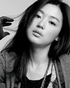 Jeon Ji-Hyun // Google Image Result for http://www.goproductionsla.com/imgs/blog/jeon_ji_hyun.jpg