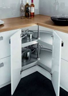 Small Space Kitchen, Kitchen Room Design, Kitchen Cabinet Design, Modern Kitchen Design, Very Small Kitchen Design, Storage For Small Kitchen, Small Kitchen Inspiration, L Shaped Kitchen Cabinets, Kitchen Cabinet Storage