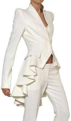 A MCQUEEN Ruffled Leaf Viscose Crepe Coat - Lyst~ White fashion couture woman's fashions pant outfit pants white white fashions Alexander Mcqueen, Steve Mcqueen, White Fashion, Love Fashion, Fashion Design, Fashion Coat, Mode Style, Style Me, Mode Inspiration