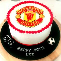 Manchester United!! 80th Birthday, Birthday Cakes, Birthday Parties, Fondant Cupcakes, Buttercream Cake, Manchester United Cake, Soccer Cakes, Football Design, Unique Cakes