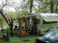 35 Perfect Spooky Halloween Decoration Ideas For Backyard Halloween Camping Decorations, Halloween Home Decor, Halloween House, Haunted Halloween, Belle Halloween, Halloween 2015, Halloween Ideas, Halloween Tricks, Halloween Prop