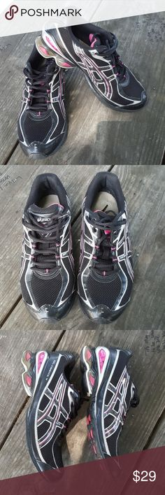 9 black and pink Asics sneakers Very good used condition black and pink Asics with black and silver glitter along the side. Gel frantic for. Size 9. Again these are in very good used condition I would call them great if it weren't for the wear on the bottom of the shoe Asics Shoes Sneakers