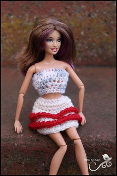 Mamma That Makes: Barbie Month .5 - 2 layers of ruffles
