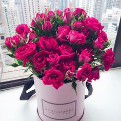 Beautiful Flowers Images, Beautiful Bouquet Of Flowers, Beautiful Flowers Wallpapers, Flower Images, Amazing Flowers, Beautiful Roses, Pretty Flowers, Flower Box Gift, Flower Boxes
