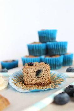 Paleo Blueberry and Banana Mini Muffins Recipe Paleo Blueberry Muffins, Healthy Banana Muffins, Blue Berry Muffins, Paleo Muffin Recipes, Brunch Recipes, Paleo Breakfast, Breakfast Options, Mini Muffins, Paleo Dessert