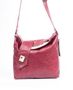 sac à main en cuir rose framboise / cuir prune/ sac par VEINAGE, $228.00