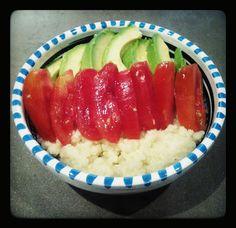Vegan : miglio pomodorini e avocado
