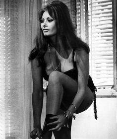 Risultato immagine per Sophia Loren Oops