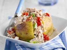 Ofenkartoffel mit Thunfischsalat ist ein Rezept mit frischen Zutaten aus der Kategorie Meerwasserfisch. Probieren Sie dieses und weitere Rezepte von EAT SMARTER!