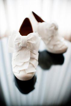 Chie Mihara -Most stunning wedding shoes Boho Wedding Shoes, Wedding Heels, Bridal Shoes, Wedding Dresses, Wedding Attire, Wedding Accessories, Wedding Cake, Wedding Stuff, Romantic Hairstyles