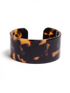 Mottled to perfection, this classic tortoise cuff pair perfectly with any polished look, just add some gold links and you're good to go! Jewelry Shop, Jewelry Accessories, Turquoise, Tortoise Shell, Fashion Necklace, Jewelery, Jewelry Watches, Bracelets, Necklaces