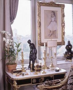 """Howard Slatkin's """"Fifth Avenue Style"""" Living Room window vignette"""