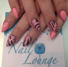 Pink Stiletto Nail Designs to Adore - Nagel Ontwerp Pink Stiletto Nails, Cute Pink Nails, Fun Nails, Nice Nails, Spring Nail Art, Summer Acrylic Nails, Nail Designs 2015, Nail Art For Beginners, Striped Nails