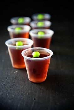 This Washington Apple Jell-O Shot is made with CranApple Juice, Sour Apple Gelatin, and apple whiskey which is adapted from my most popular drink recipe. Apple Jello Shots Recipe, Jello Shooters Recipe, Apple Shots, Jello Shot Recipes, Party Recipes, Drink Recipes, Salad Recipes, Tequila Jello Shots, Candy Corn Jello Shots