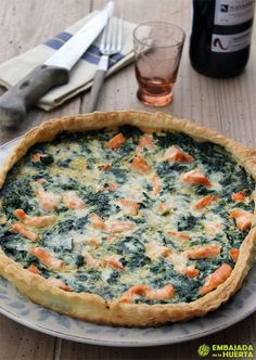 Quiche de espinacas y salmón Cupcakes, Greens Recipe, Spinach, Seafood, Easy Meals, Food And Drink, Yummy Food, Baking, Breakfast