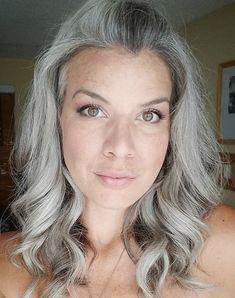 Gray Hair Growing Out, Grow Hair, Pelo Color Plata, Charcoal Hair, Grey Bob, Grey Hair Inspiration, Grey White Hair, Transition To Gray Hair, Going Gray