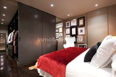 Inmofinders piso de lujo en barcelona en venta en Passeig Sant Gervasi en perfecto estado Barcelona Apartment, Apartments, Divider, Room, Furniture, Home Decor, Flats, Bedroom, Rooms