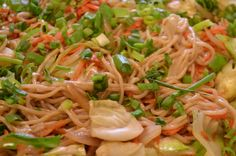 By En Fuego Grill & Catering Hawaii Noodles, Catering, Fries, Grilling, Hawaii, Ethnic Recipes, Food, Macaroni, Catering Business