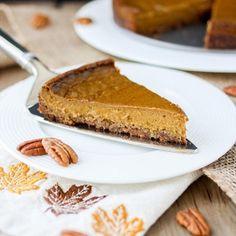 Pumpkin Pie With Pecan Crust on @the_feedfeed https://thefeedfeed.com/veggiesdontbite/pumpkin-pie-with-pecan-crust