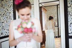 Mademoiselle de Guise | Robe Lucie Collection 2015 / Photo : Nicolas Grout / Fleurs : Les Fleurs de Pauline / Weddingdress / Robe de mariée / Paris