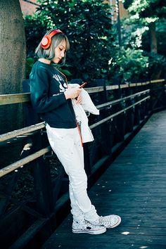 Mami Sasazaki - lead guitarist of Scandal