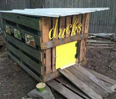 Totally gonna use this idea for our winter duck house project. CHEAP=better.