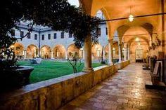 Al crepuscolo, nel chiostro del Museo civico di Bassano del Grappa