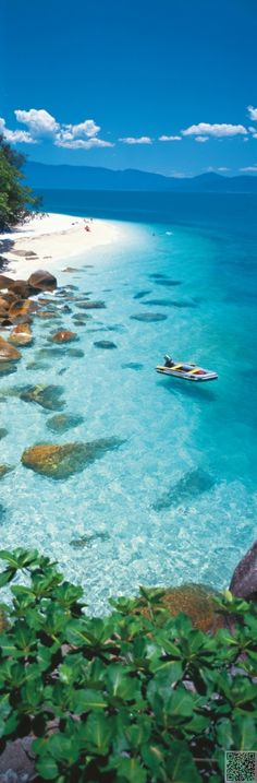 13. On a Boat - 22 #Views of Tropical Islands That You'll Never #Forget… #Islands