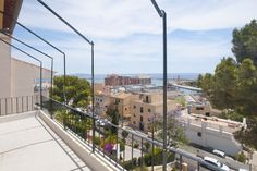 Nice apartment with terrace and sea views in Bonanova.