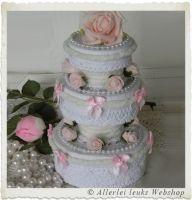VOORBEELD Romantisch taartje van 3 kleine doosjes