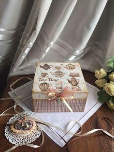 Bom dia Pessoal!! Marque uma amiga para ver essa linda caixa!! Se você gostou acesse nosso site e compre os materiais e faça uma para você: www.palaciodaarte.com.br Entregamos para todo o Brasil! #bomdia #caixa #caixaemmdf #caixadecorativa #palaciodaarte #mdf #scrap #decoupage